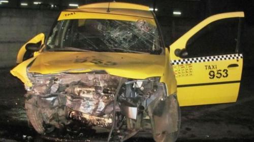 Accident TERIBIL provocat de un taximetrist. 5 persoane au fost ranite, între care şi un copil de nouă ani