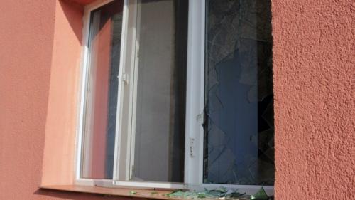 Atac mafiot în plină zi asupra locuinţei interlopului Adrian Taloş chiar de ziua sa de naştere. Vezi pe cine acuză