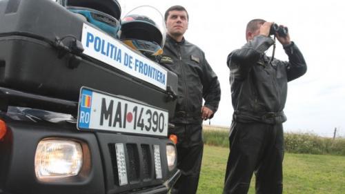 Doi urmăriţi internaţional, prinşi în doar câteva ore, la frontiera de vest, în timp ce încercau să plece din România