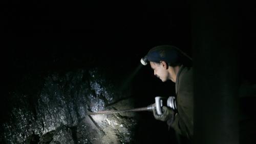 Replica ministrului Energiei la protestul minerilor: Singura cale de salvare este munca