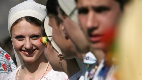 Românii sărbătoresc Dragobetele. Ce obiceiuri sunt legate de această tradiţie arhaică