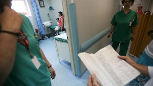 Un copil suspectat de SHU va fi transferat la Spitalul 'Marie Curie' din Bucureşti