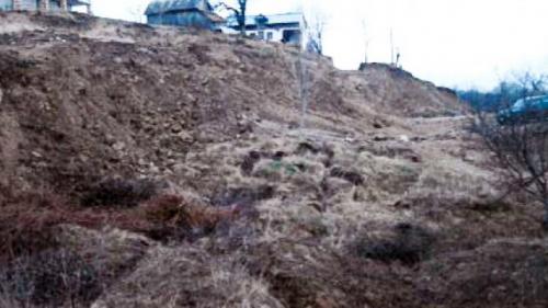 Grave alunecări de teren într-o comună din Gorj