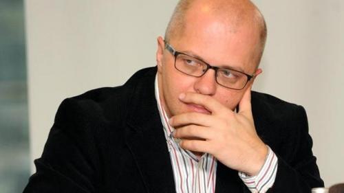 Adrian Ursu: Nu se rezolvă cu cătuşele toate problemele din ţara asta
