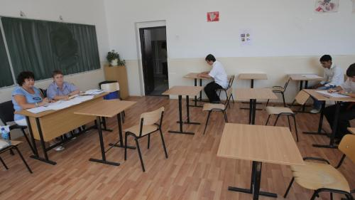 BAC 2016. Aproximativ 137.000 absolvenţi de liceu înscrişi la examenul naţional de Bacalaureat