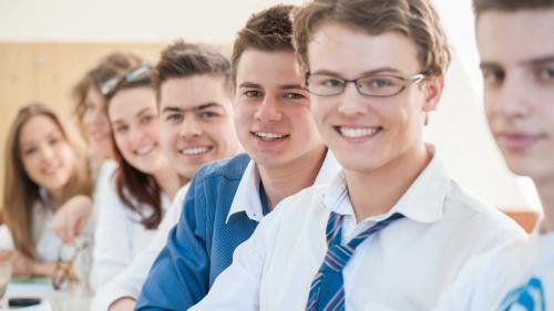 Veste BUNA. Elevii de clasa a VIII-a intră de vineri în vacanţă