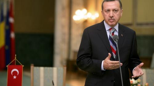 Turcia: Trei pucişti suspectaţi că au atacat hotelul în care era cazat Erdogan au fost arestaţi