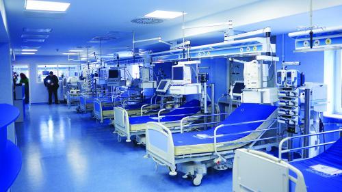 Bani aruncaţi pe aparatură inutilă în spitale