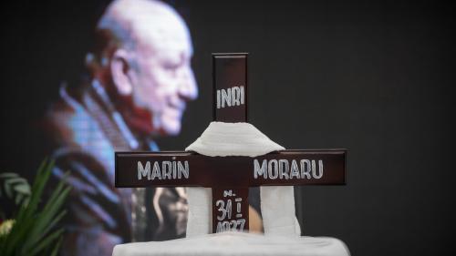 Câteva sute de oameni i-au adus un ultim omagiu actorului Marin Moraru, la TNB