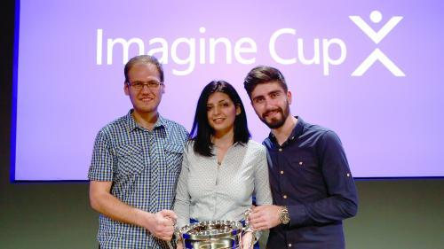 Studenţii români care au captivat imaginaţia Microsoft