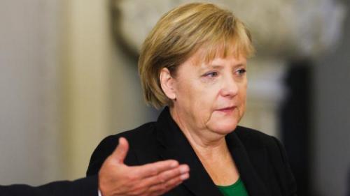 Cehia: Un bărbat a încercat să împiedice trecerea convoiului în care se afla cancelarul german Angela Merkel