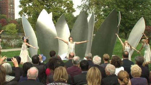 Yoko Ono a dezvăluit ultima piesă a instalaţiei sale artistice din Chicago
