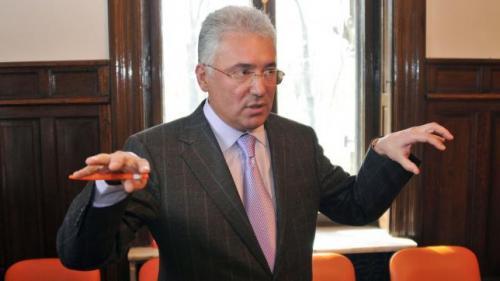 Tribunalul Bucureşti redeschide un dosar de abuz în serviciu pe numele lui Adriean Videanu
