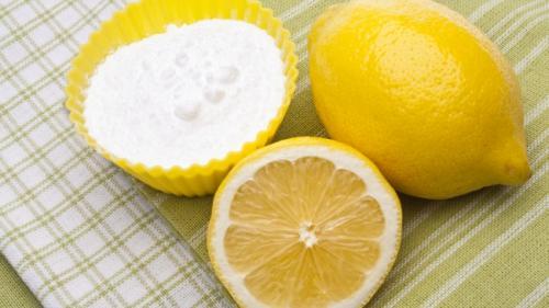 Bicarbonat cu miere si lamaie