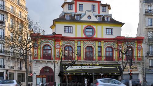 Paris: Sala de concerte Bataclan are o nouă faţadă, la aproape un an de la atentatele teroriste