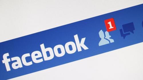 Facebook ar putea introduce avertismente privind conţinutul fals, în încercarea de a combate dezinformarea