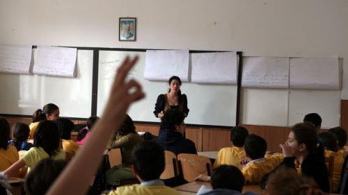 Elevii, preşcolarii şi studenţii se întorc luni la școală
