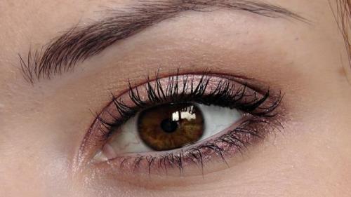 Alimente care iti schimba culoarea ochilor