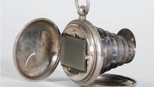 Gadget din 1886, cameră foto cât un ceas de buzunar