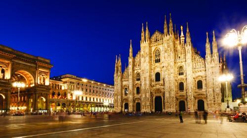 Destinația săptămânii.Milano, orașul marilor creatori de modă