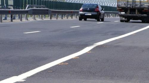 Noi probleme pe Autostrada Orăştie-Sibiu! S-a format o adevărată trambulină
