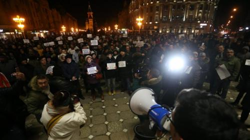 Aproximativ 1.000 de timişoreni au protestat împotriva proiectului de ordonanţă privind graţierea