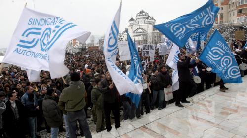 Sindicaliştii de la Dacia au declanşat un conflict de muncă