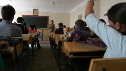 Ordonanță de urgență pentru salariații din școli