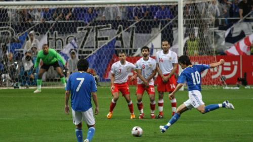 Un suporter a încercat să intre cu materiale pirotehnice pe Cluj Arena, înaintea meciului România-Danemarca