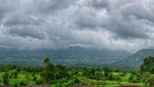 Superlativele mapamondului. Cel mai UMED loc de pe Terra (VIDEO)