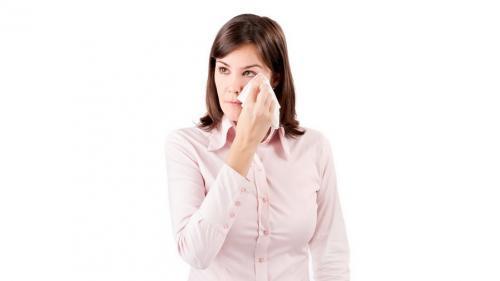 Cum tratezi epifora, boala ochilor înlăcrimați