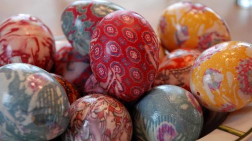 Mod inedit de a vopsi ouăle de Paște
