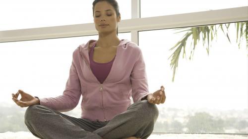 De ce mulţi oameni fac meditaţie?Explicaţia unui cunoscut profesor român de yoga