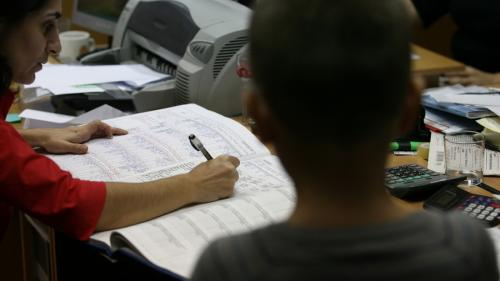 6.400 de cadre didactice vor susține proba scrisă a examenului de definitivat