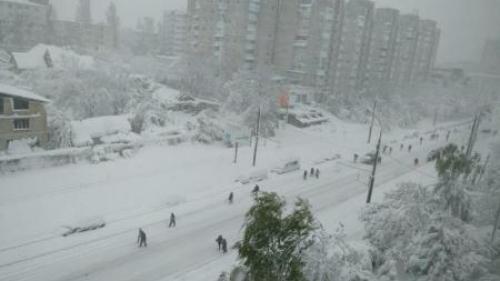 Atenţionare MAE: Cod portocaliu de lapoviţă şi ninsori abundente în Republica Moldova până luni