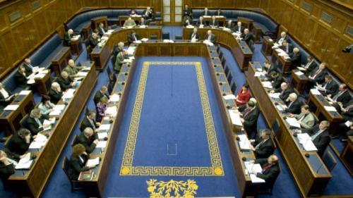 Londra vrea un guvern până la 29 iunie în Irlanda de Nord