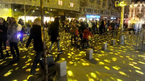 GALERIE FOTO - Spectacolul luminilor la București. Capitala, îmbrăcată în lumini colorate. Imagini SPECTACULOASE