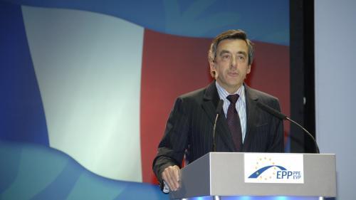 Alegeri prezidenţiale în Franţa: Fillon va vota pentru Macron în turul al doilea