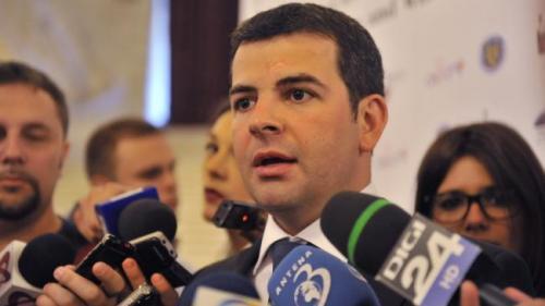 Constantin: Tăriceanu a încercat să-şi asigure preşedinţia călcând pe onoare şi respect