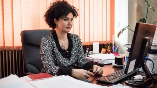 """Simona Moagăr Poladian: """"Viteza de creștere rapidă, peste media UE, nu salvează o economie de la un posibil eșec"""""""