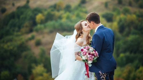 Reguli de etichetă: Cum eviți să le strici nunta prietenilor tăi