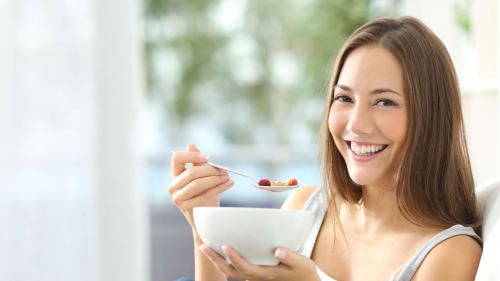 Ce să mănânci la micul dejun ca să slăbești și de ce nu trebuie să sari peste el