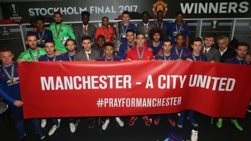 Cluburile de fotbal din Manchester oferă un milion de lire sterline victimelor atentatului