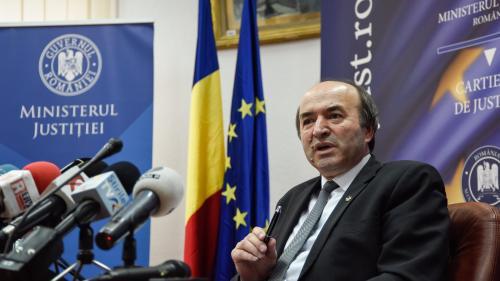 Ministrul Justiţiei ar putea anunţa lista cu persoanele care au vizitat arhiva SIPA