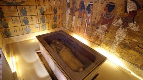 Tezaurul lui Tutankhamon: aur şi secrete