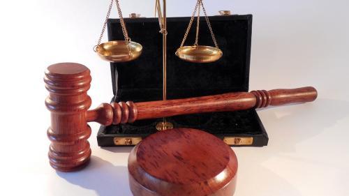 Un fost ministru a fost condamnat la închisoare cu executare de Înalta Curte
