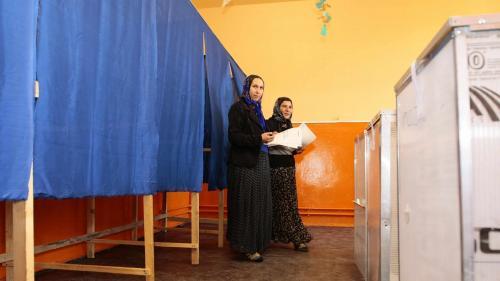 Începe campania electorală în cele 49 de localităţi din 32 de judeţe în care vor avea loc alegerile parţiale