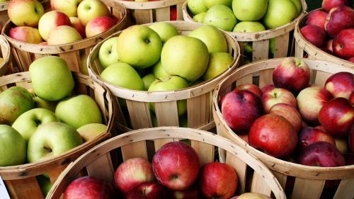 Cinci lucruri mai puţin cunoscute despre mere