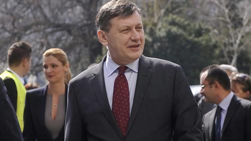 Crin Antonescu: Orban ar fi o variantă greşită pentru PNL, Buşoi e pregătit să fie prim-ministru
