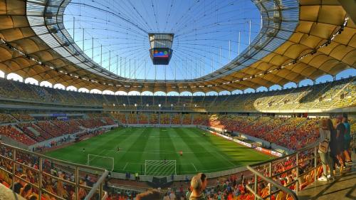 """Fotbaliştii """"nu au nevoie să câştige mai mult"""", a declarat comisarul european Pierre Moscovici"""